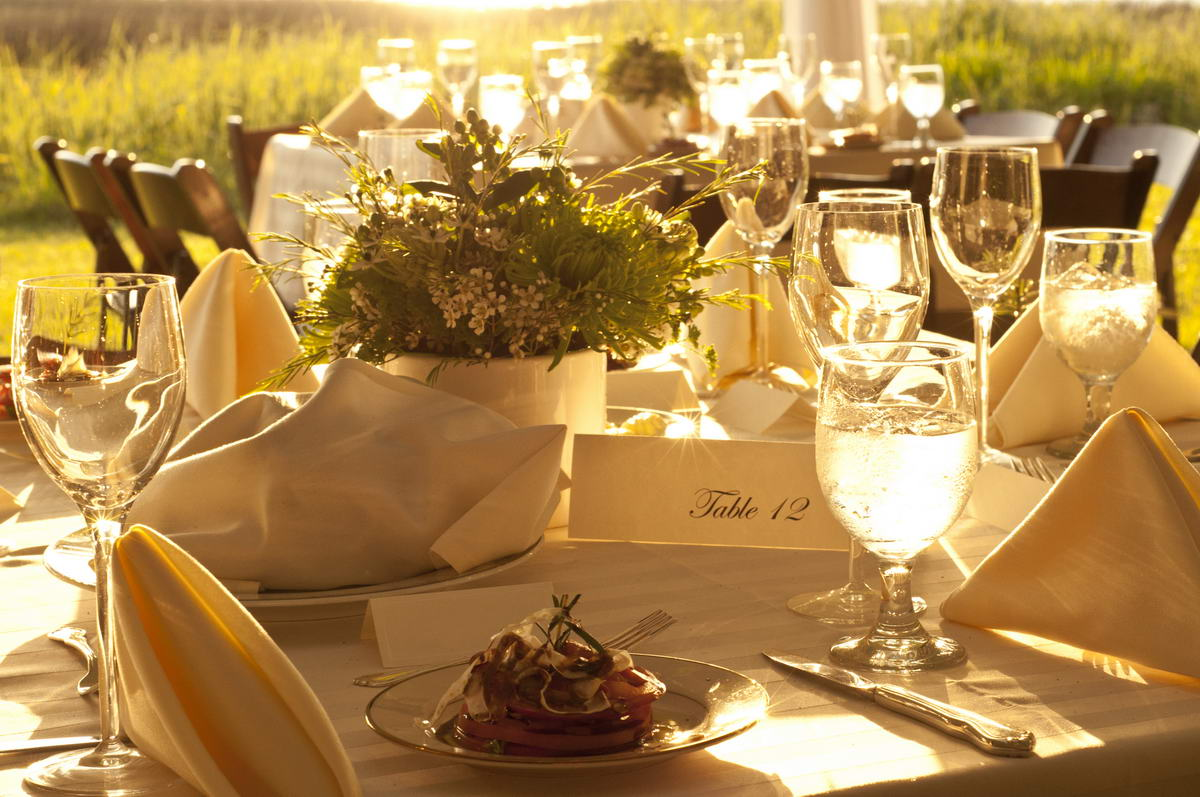 catering festliche tafel outdoor ringhotel landhaus nicolai. Black Bedroom Furniture Sets. Home Design Ideas