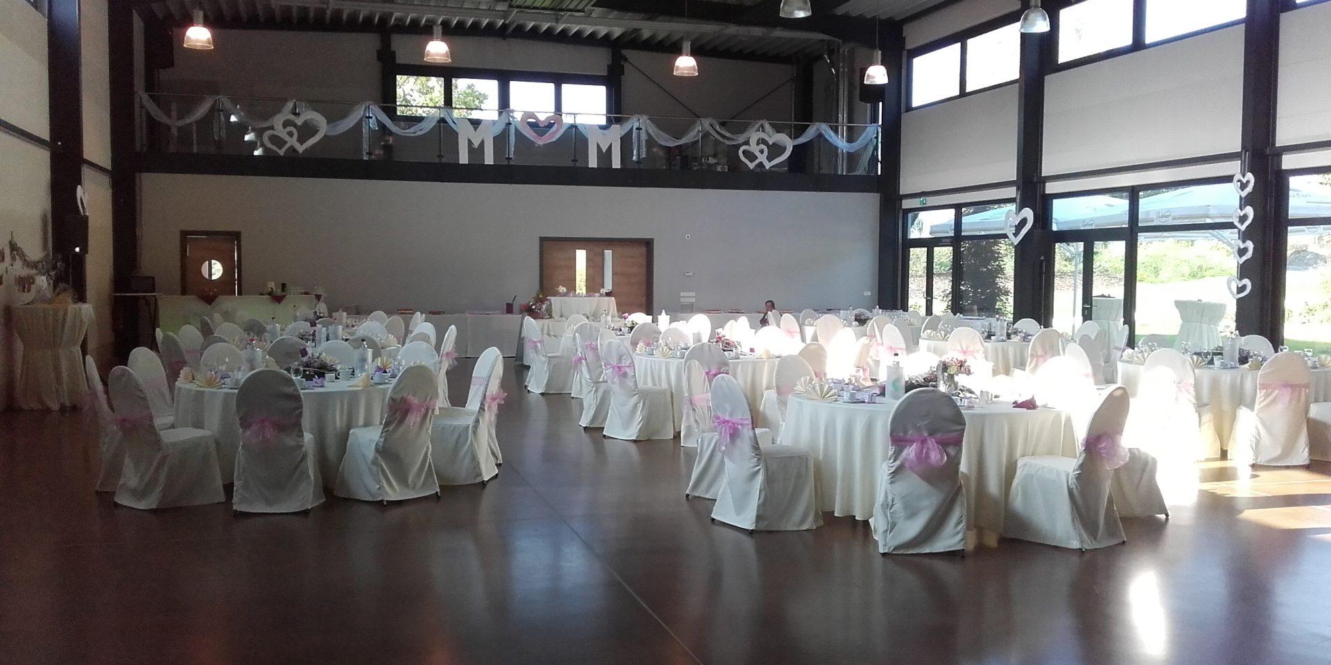 Bogen-Event-Halle mit Tanzfläche für bis zu 120 Personen