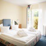 Zimmer – mit Terrasse