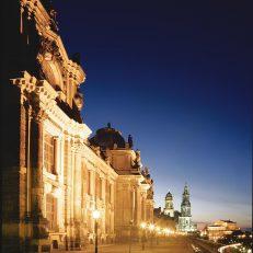 Sehenswürdigkeiten – Brühlsche Terrasse bei Nacht